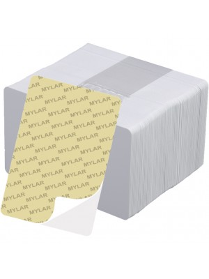Tarjetas blancas de PVC adhesivas de .10 mil con Mylar - 500 piezas