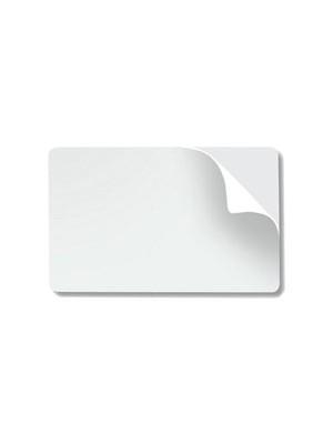 Tarjetas blancas de PVC adhesivas de .20 mil con respaldo de papel - 500 piezas